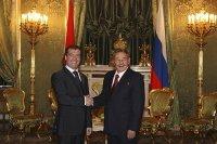 Дмитрий Медведев и Рауль Кастро обсудили вопросы экономики